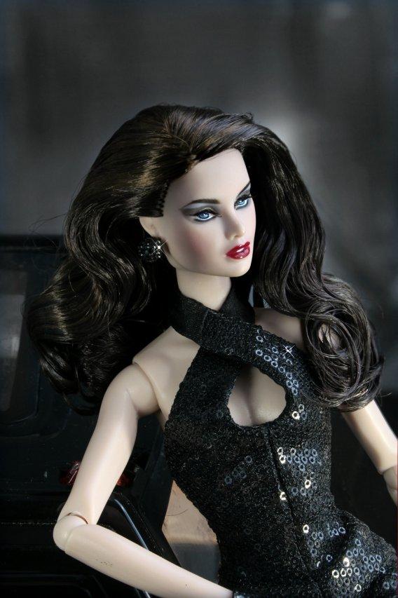 Fashion Royalty Erin%20Chrome%20Noir%20t5