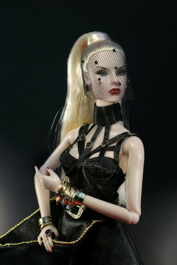 Fashion Royalty - Sivu 8 Agnes%20Poison%20t2