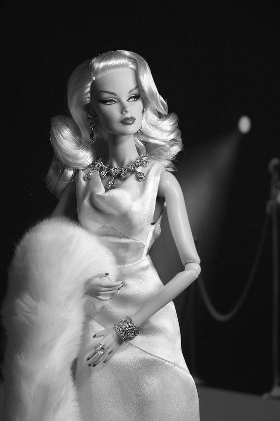 Fashion Royalty - Sivu 6 Veronique%20StagePresence%20t1mv