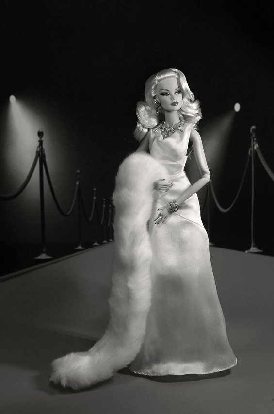 Fashion Royalty - Sivu 6 Veronique%20StagePresence%20t2mv