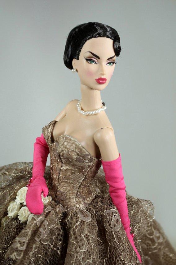 Fashion Royalty - Sivu 2 Portrait%20Victoire%20Place%20Vendome%20t3a
