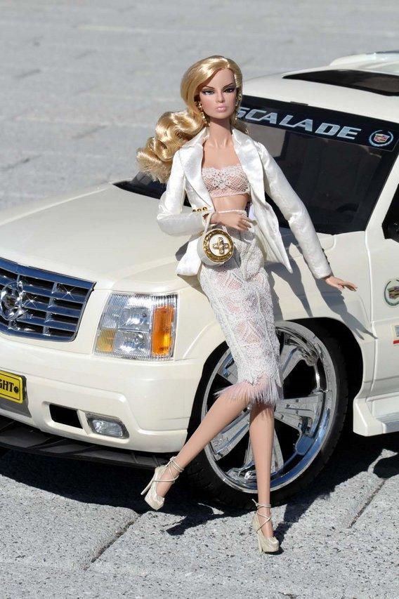 Fashion Royalty - Sivu 3 Eugenia%20CityProwl%20White%20c1