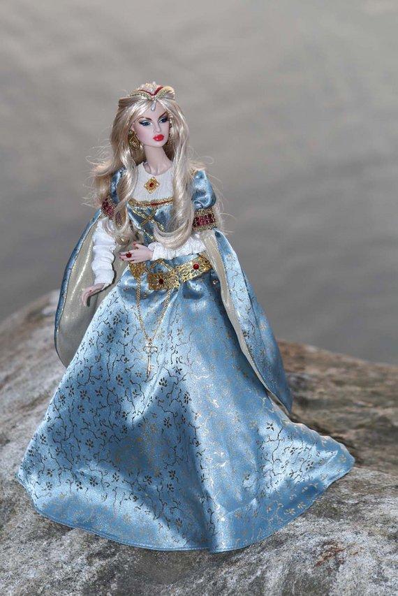 Fashion Royalty - Sivu 3 Eugenia%20Guinevere%20L1