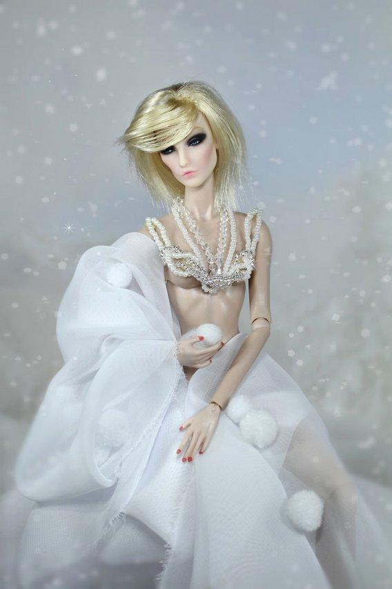 Fashion Royalty - Sivu 2 Elise%20JC%20talvifantasia2s