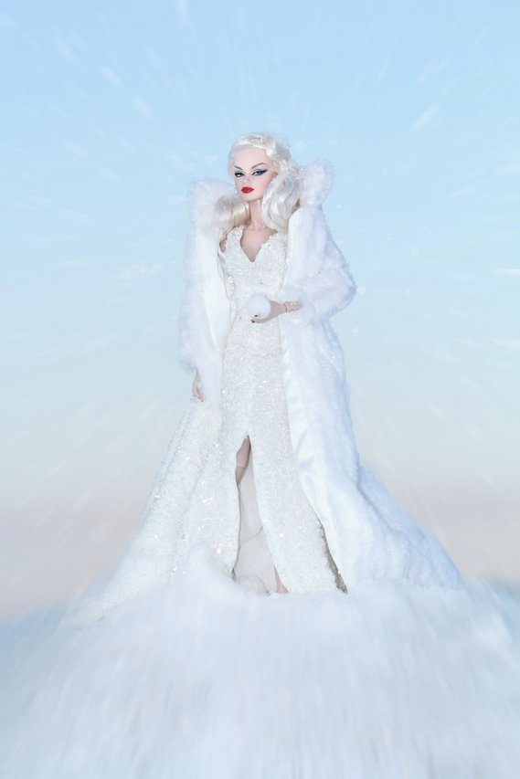 Fashion Royalty - Sivu 6 Veronique%20SnowQueen%20ta2z