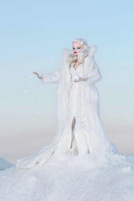 Fashion Royalty - Sivu 6 Veronique%20SnowQueen%20ta3f