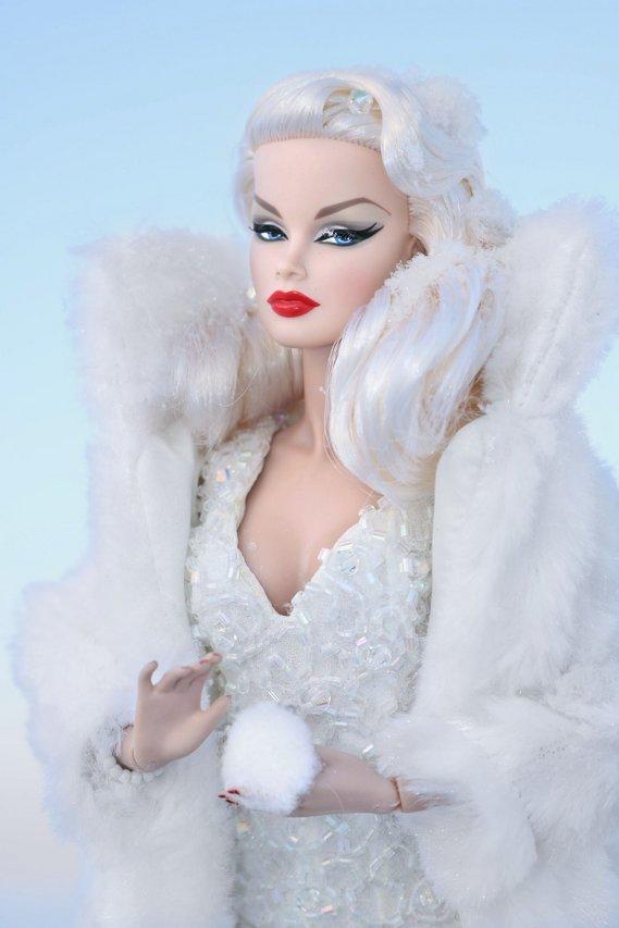 Fashion Royalty - Sivu 6 Veronique%20SnowQueen%20ta5