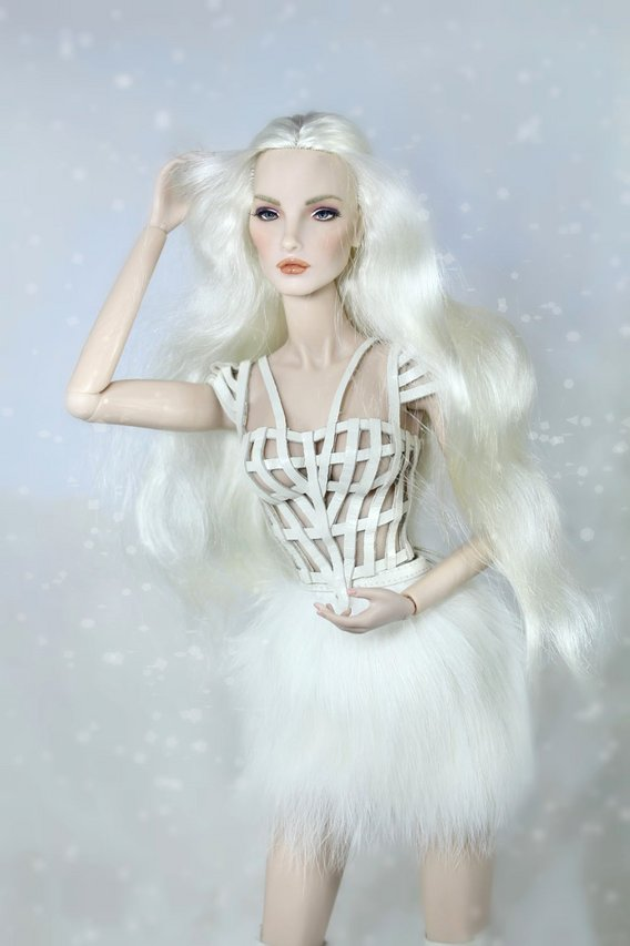 Fashion Royalty - Sivu 3 Elise%20White%20Rabbit%20t3s