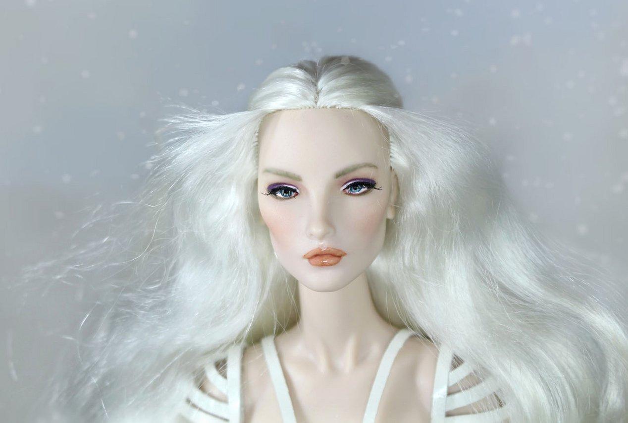 Fashion Royalty - Sivu 3 Elise%20White%20Rabbit%20t5s