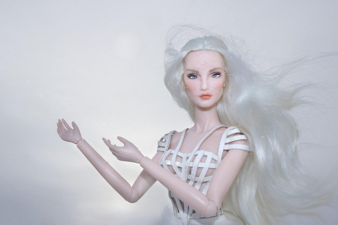 Fashion Royalty - Sivu 6 Elise%20WhiteRabbit%20Lt5