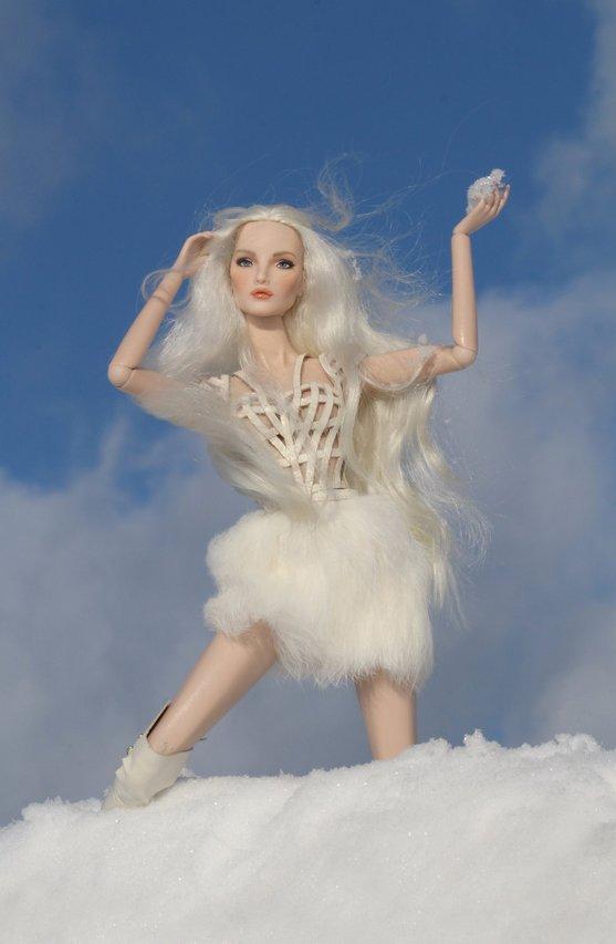 Fashion Royalty - Sivu 6 Elise%20WhiteRabbit%20tL1