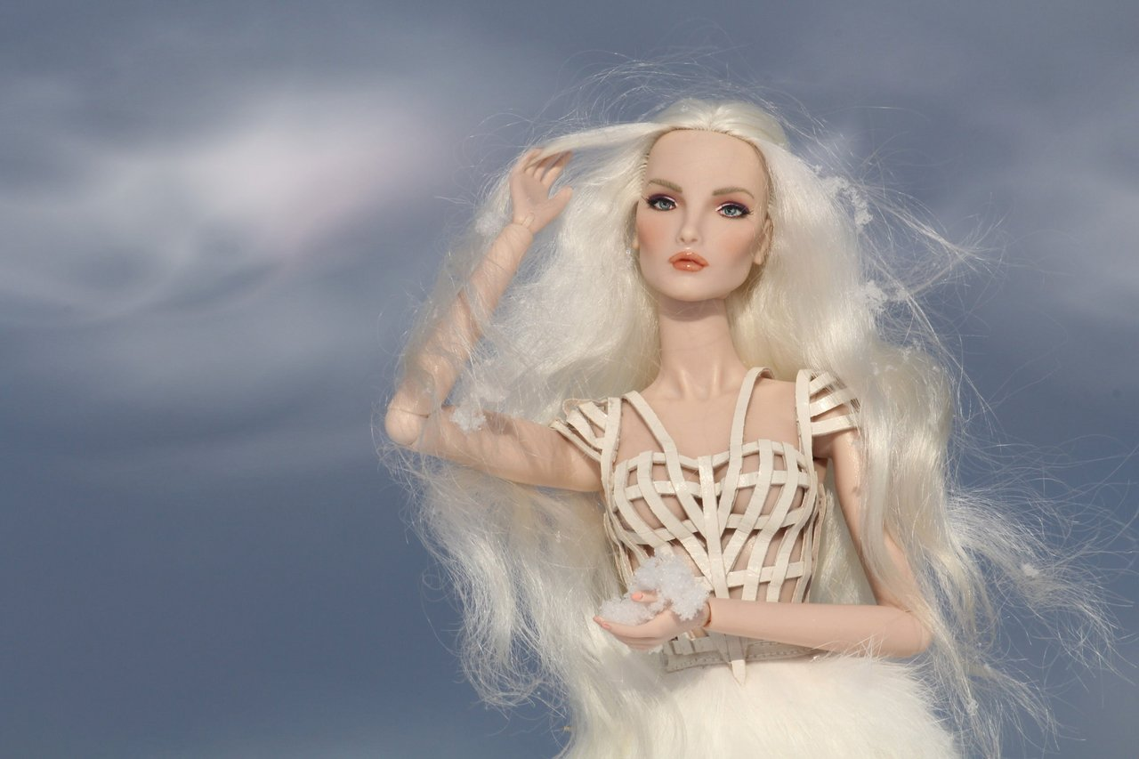 Fashion Royalty - Sivu 6 Elise%20WhiteRabbit%20tL5b