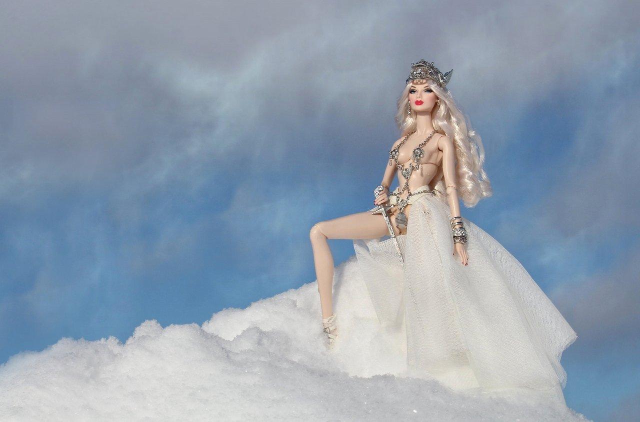 Fashion Royalty - Sivu 6 Eugenia%20Valkyrie%20tL1f