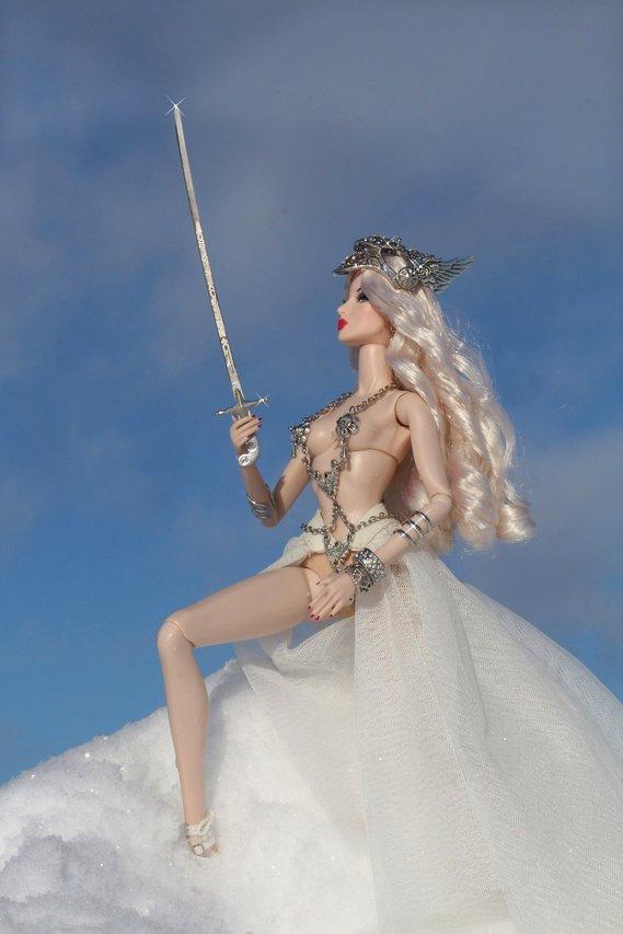 Fashion Royalty - Sivu 6 Eugenia%20Valkyrie%20tL4b