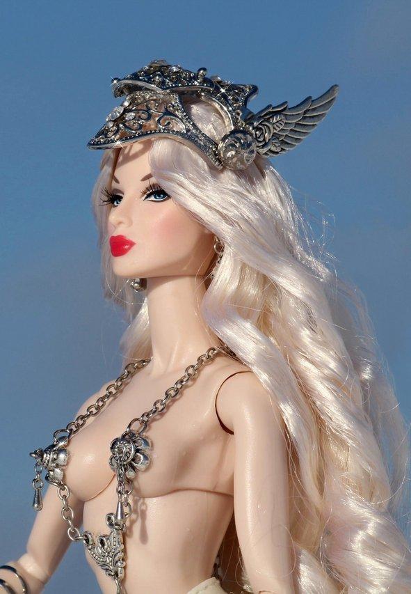 Fashion Royalty - Sivu 6 Eugenia%20Valkyrie%20tL8