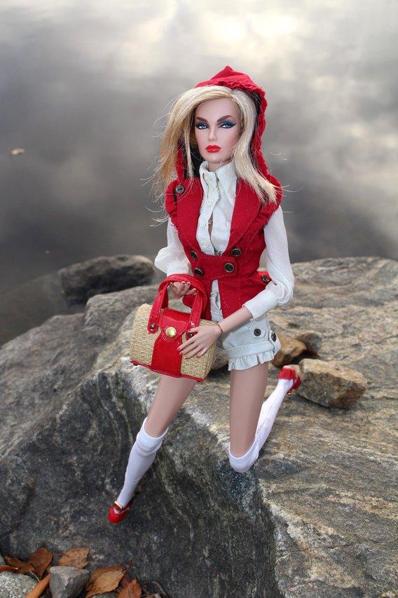 Fashion Royalty RedRidingHood%20Dasha%20s3
