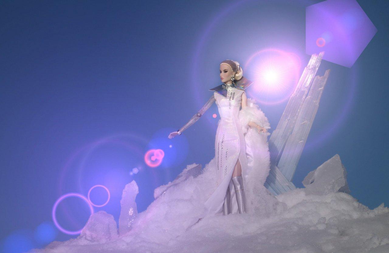 Fashion Royalty - Sivu 8 Dania%20SpaceQueen%20LD4f