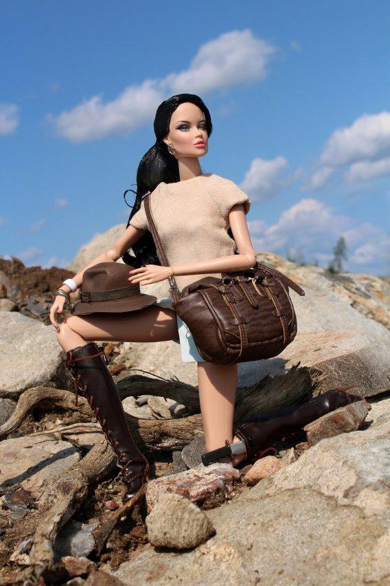 Fashion Royalty - Sivu 40 Vanessa%20Fashion%20Explorer3a