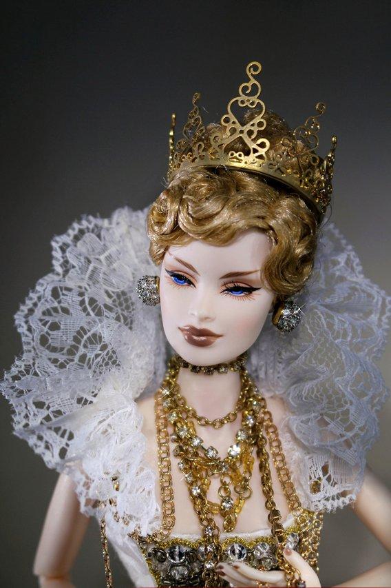 Fashion Royalty Veronique%20QueenV%20portrait1