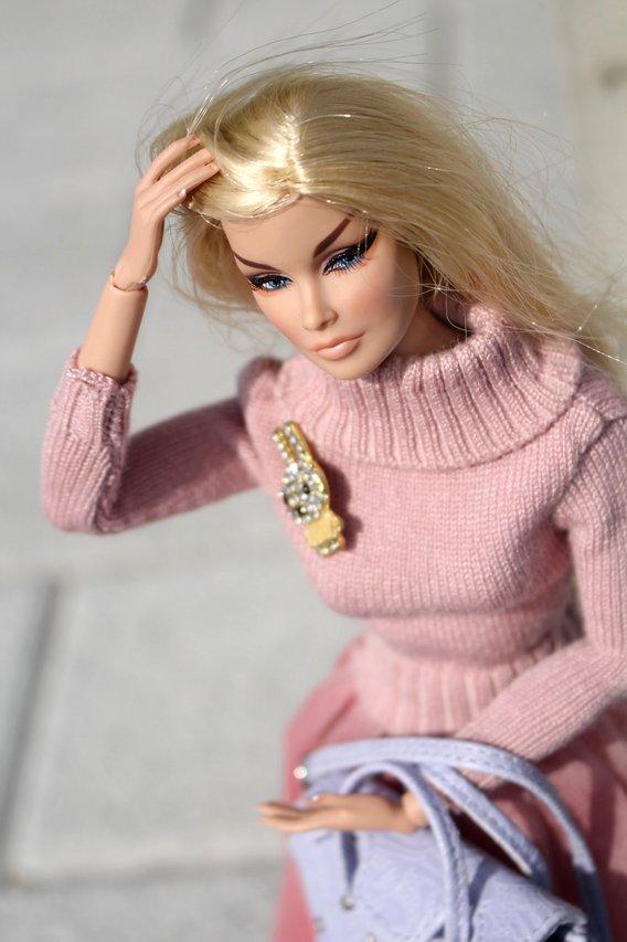 Fashion Royalty - Sivu 40 Veronique%20Haute%20Societe%20p4