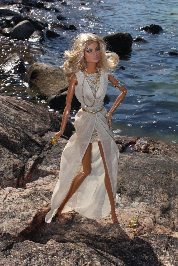 Fashion Royalty - Sivu 39 Eugenia%20Going%20Public%20turku6
