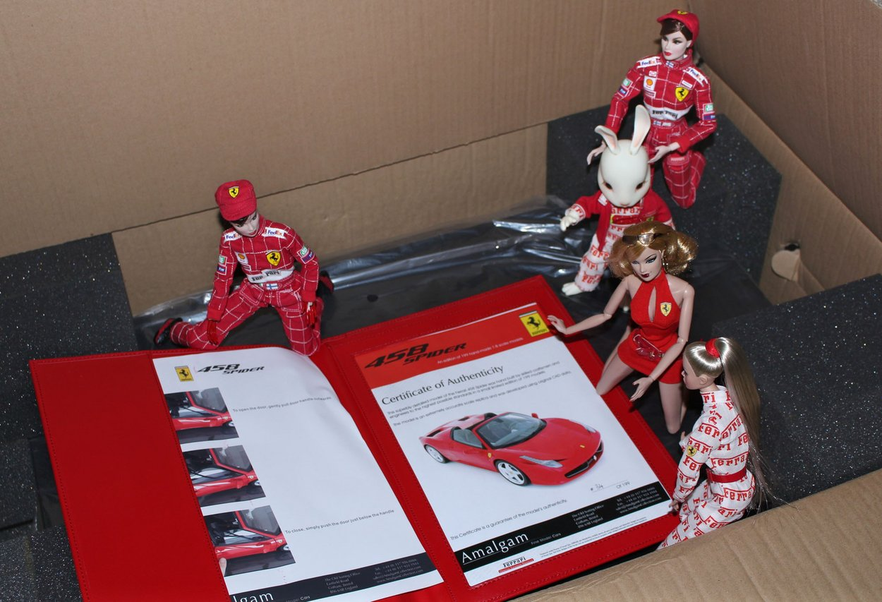 Fashion Royalty - Sivu 6 Ferraripaketti2a