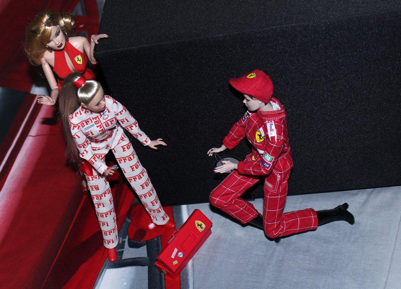 Fashion Royalty - Sivu 6 Ferraripaketti4