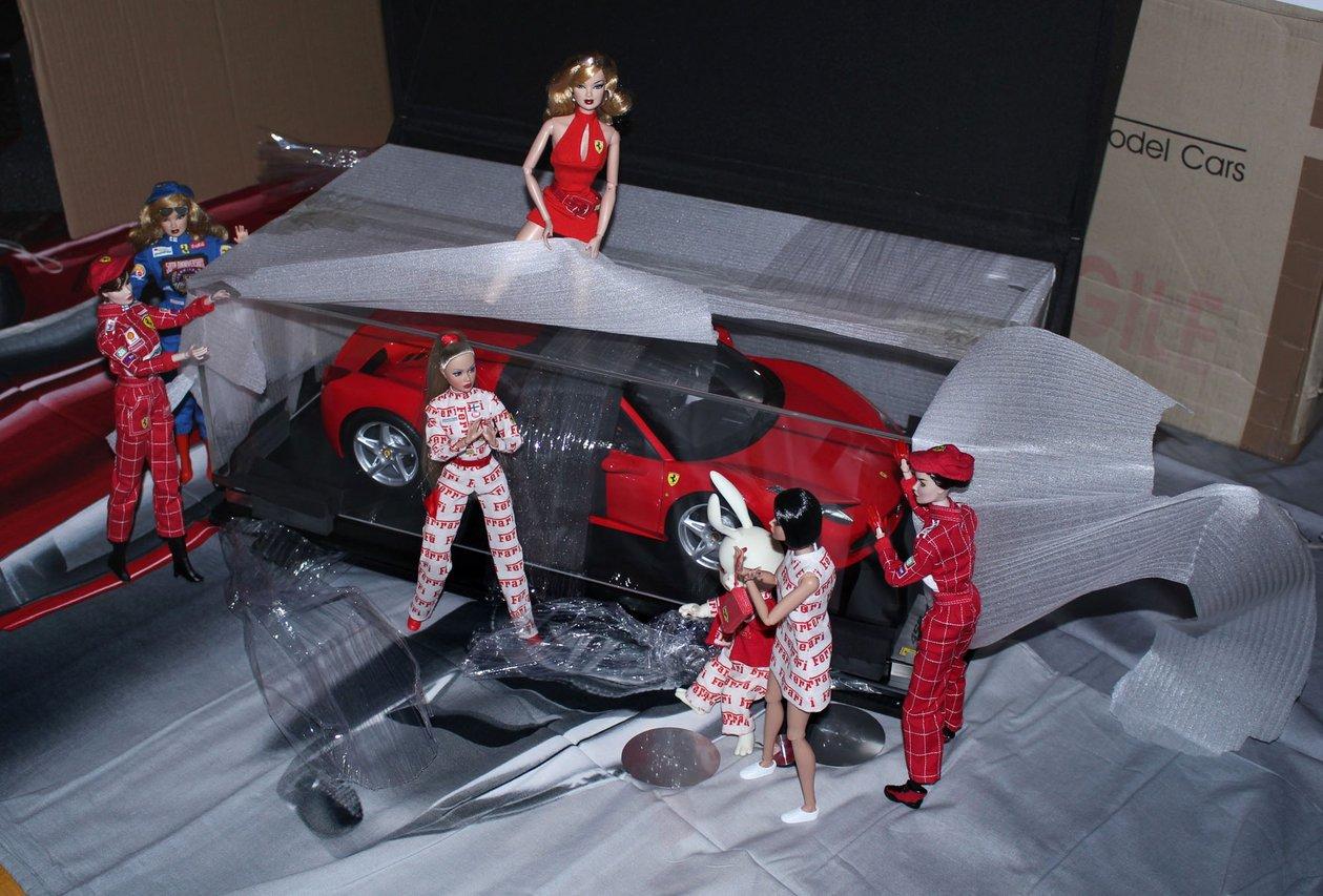 Fashion Royalty - Sivu 6 Ferraripaketti6