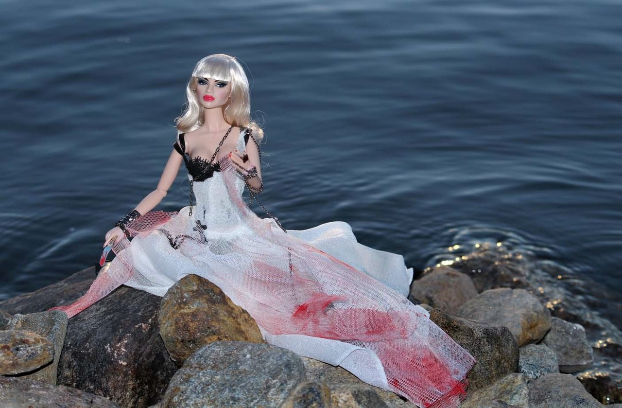Fashion Royalty - Sivu 3 Natalia%20theBride%20L6