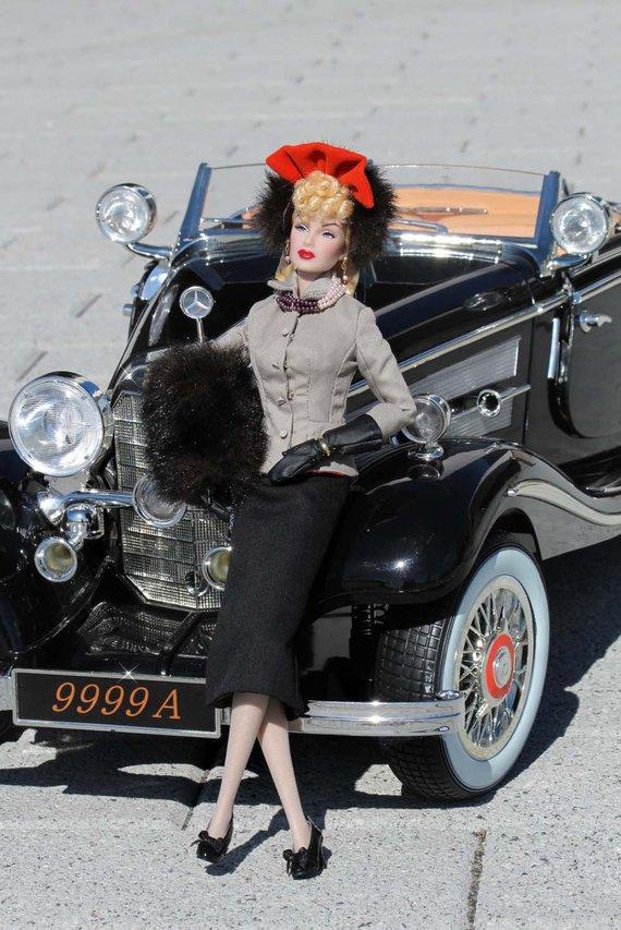 Fashion Royalty - Sivu 3 Lana%20Turner%20Hollywood%20Suited%20mb1
