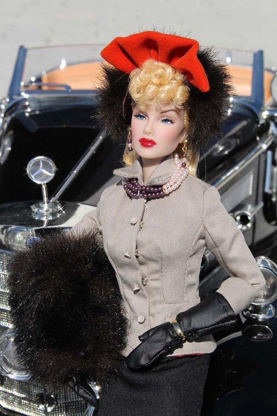 Fashion Royalty - Sivu 3 Lana%20Turner%20Hollywood%20Suited%20mb3b
