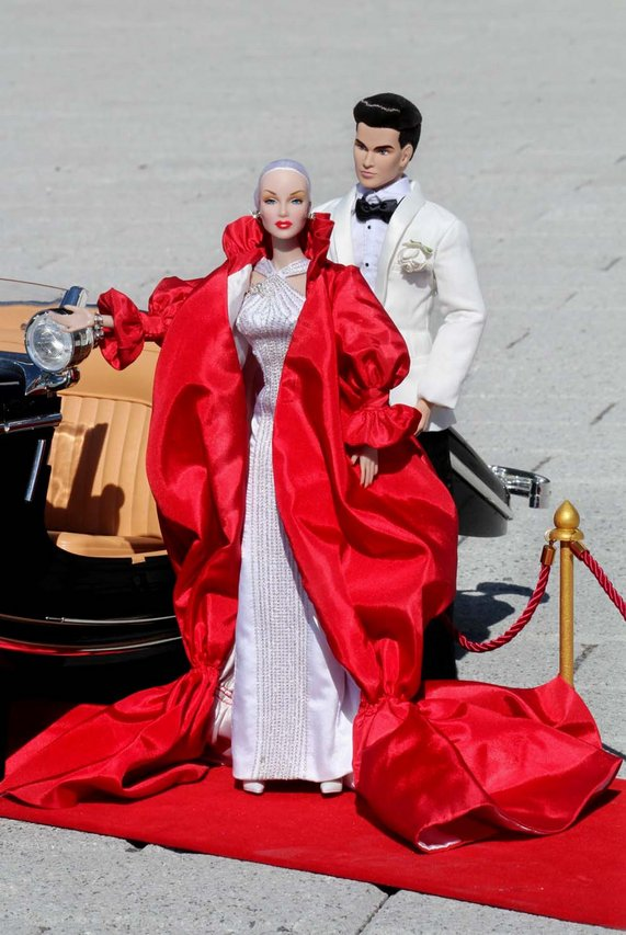 Fashion Royalty - Sivu 3 Lana%20Turner%20Red%20Carpet%20mb1