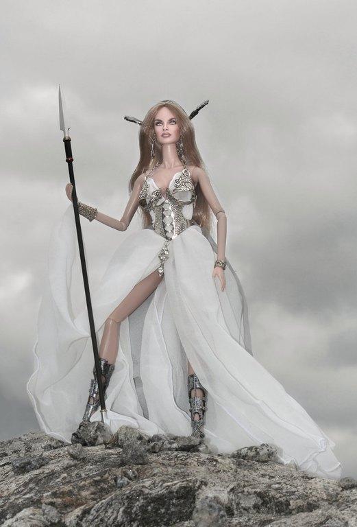 Fashion Royalty - Sivu 9 Danya%20Goddess%20of%20the%20Wind%20L1