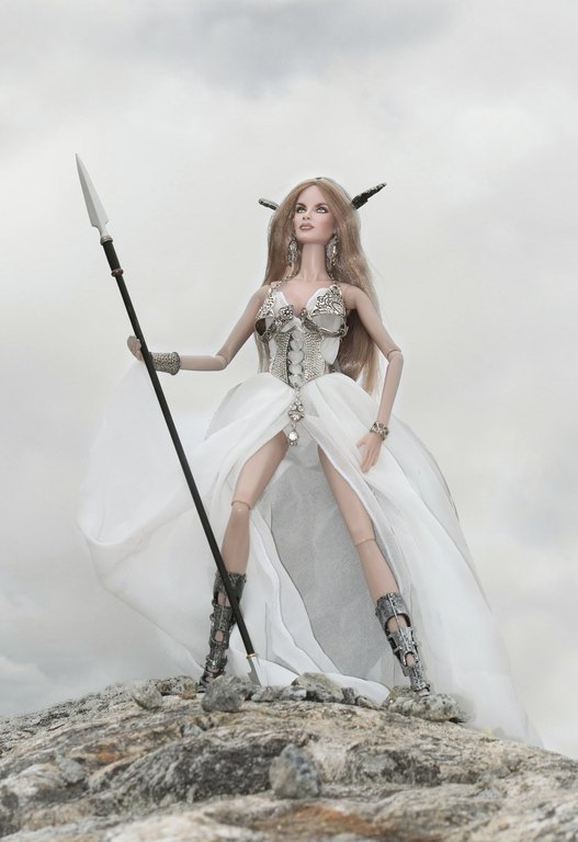Fashion Royalty - Sivu 9 Danya%20Goddess%20of%20the%20Wind%20L2