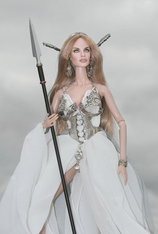 Fashion Royalty - Sivu 9 Danya%20Goddess%20of%20the%20Wind%20L6
