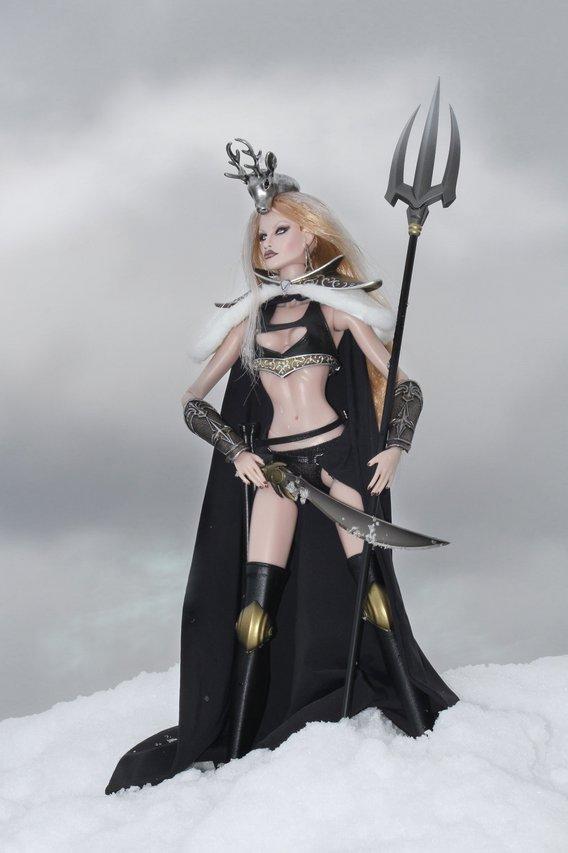 Fashion Royalty - Sivu 8 DarkSnowWarrior%20LT2
