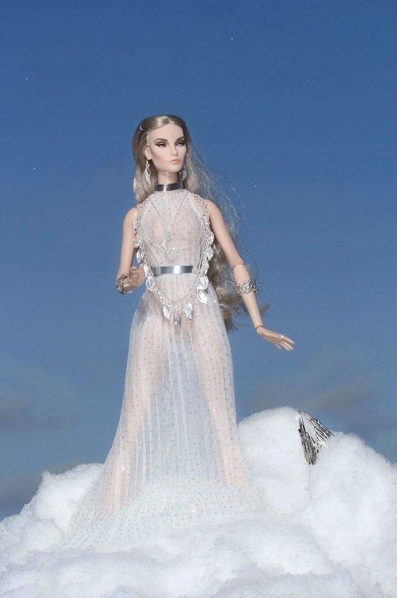 Fashion Royalty - Sivu 8 Elise%20Silver%20Moon%20L3