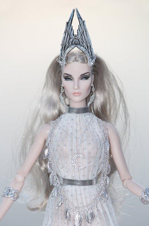 Fashion Royalty - Sivu 8 Elise%20Silver%20Moon%20L5