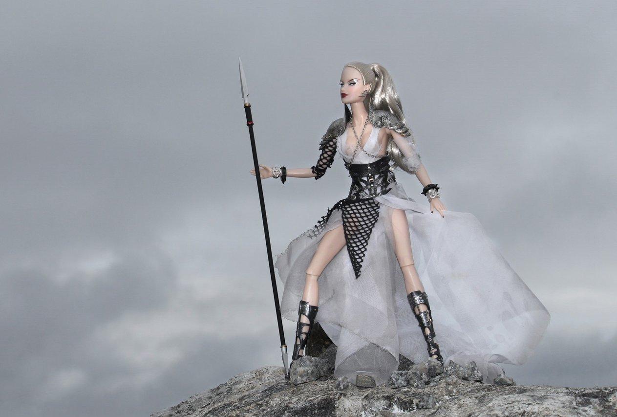 Fashion Royalty - Sivu 9 Veronique%20Onyx%20L1