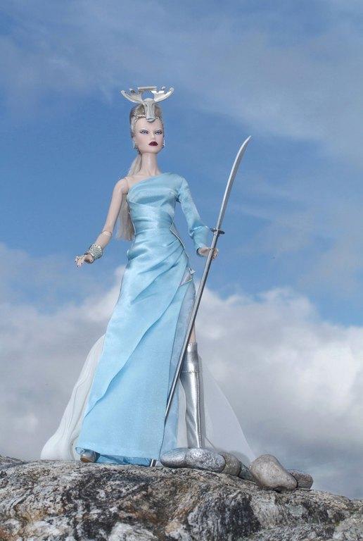 Fashion Royalty - Sivu 9 Dasha%20SilverMoose%20Lk2