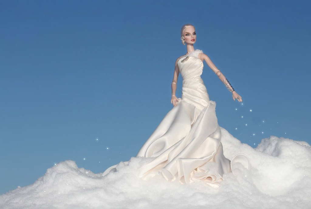 Fashion Royalty - Sivu 9 Eugenia%20FirstSnow%20Ll1