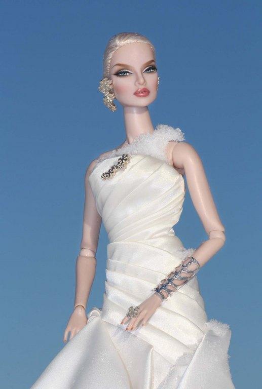 Fashion Royalty - Sivu 9 Eugenia%20FirstSnow%20Ll2