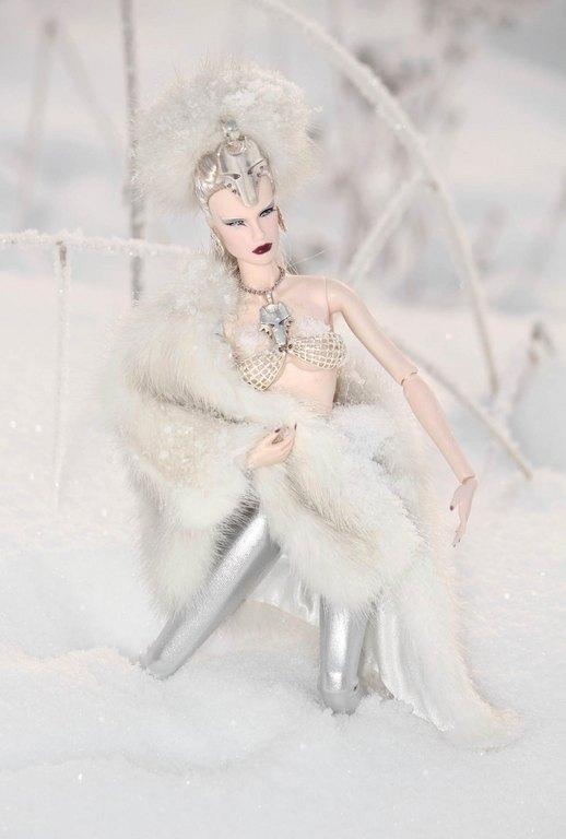 Fashion Royalty - Sivu 9 SheWolf%20Ll2