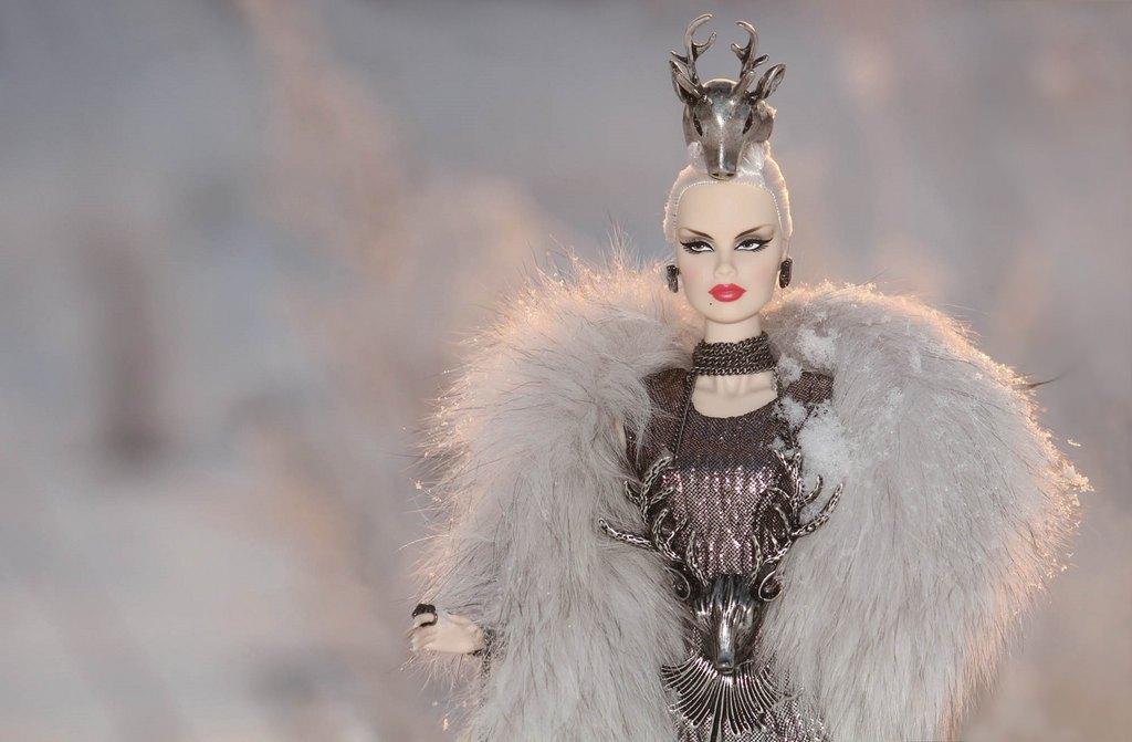 Fashion Royalty - Sivu 9 Veronique%20ForestDevil%20Ll2