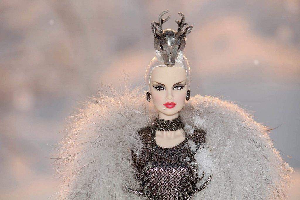 Fashion Royalty - Sivu 9 Veronique%20ForestDevil%20Ll3