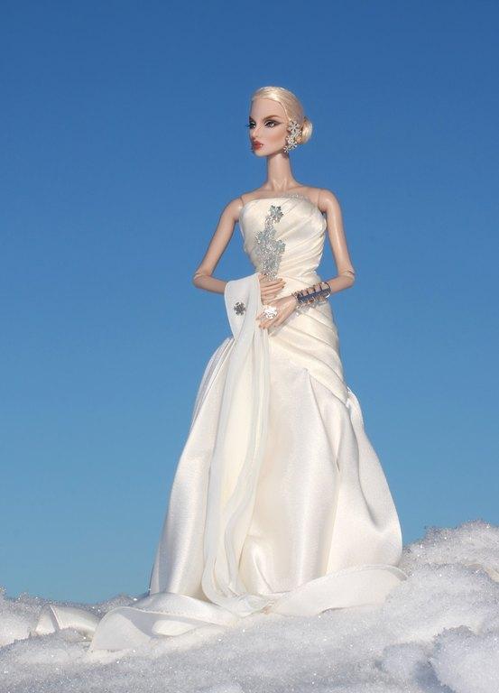 Fashion Royalty - Sivu 13 Eugenia%20SilverSnow%20pb2