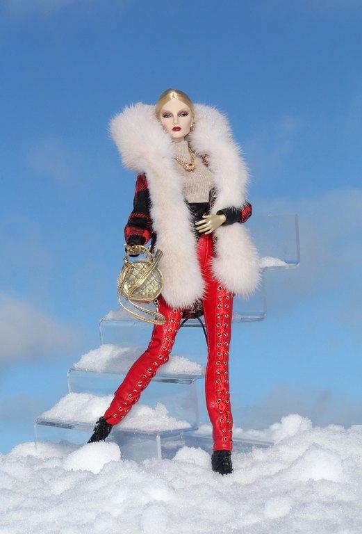 Fashion Royalty - Sivu 11 Elise%20PassionWinter%20L1