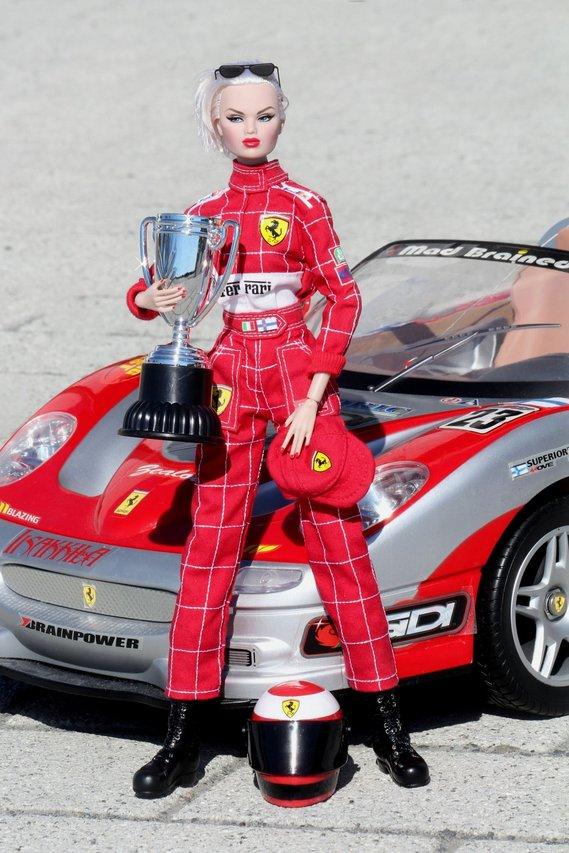 Nu.Face & Nu.Fantasy - Sivu 3 Ferrari%20Karolin%20p6
