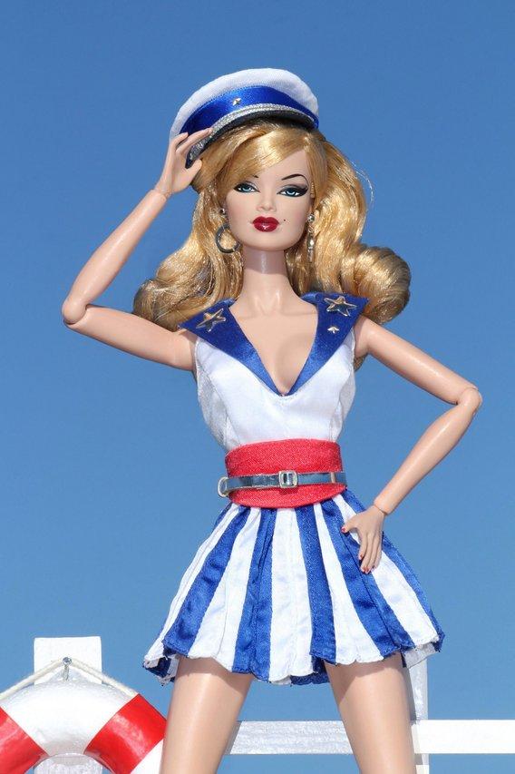 Fashion Royalty - Sivu 8 SailorGirlFlirty%20Captain%20Ll3