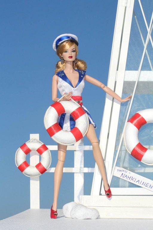 Fashion Royalty - Sivu 9 SailorGirlFlirty%20Captain%20Ln1
